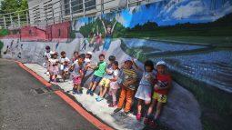社區壁畫留影